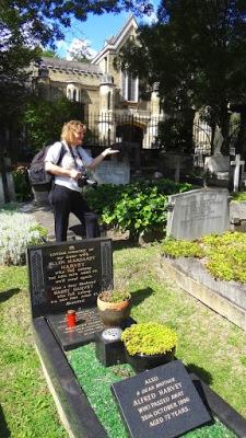 Highgate Cemetery Meetup